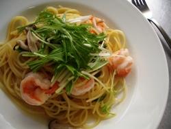 2/23本日のパスタ:海老と水菜のぺペロンチーノ_a0116684_11375089.jpg