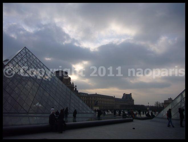 【散歩】ピラミッド、ルーヴル美術館界隈2月22日(PARIS)_a0008105_21393988.jpg