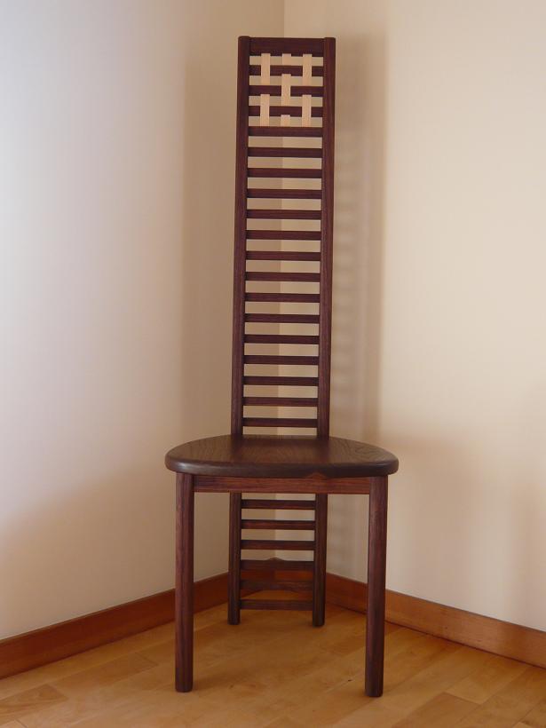 トットちゃんの椅子_d0184405_9264224.jpg