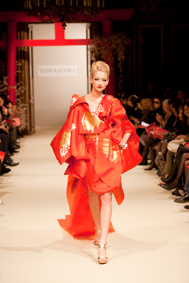 ◆YUMI KATSURA 2011ss PARIS Haute Couture Collection◆_b0111306_21323887.jpg
