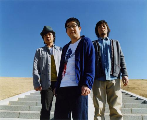 サンボマスターが3/23発売ベストアルバムの全貌をUSTREAMでファンに生報告_e0197970_0411890.jpg