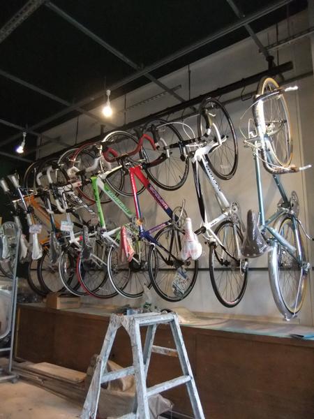自転車店舗リノベーション あとひといき!_c0225122_1001620.jpg