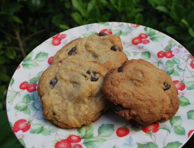 チョコチップとマカダミアのクッキー_f0155522_1313661.jpg