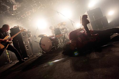 【ライヴレポート】MO\'SOME TONEBENDERフリーライヴ@渋谷CLUB QUATTRO_e0197970_1616636.jpg