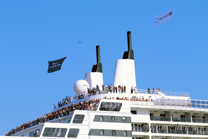 Queen Mary 2 シドニー就航_f0084337_18463559.jpg