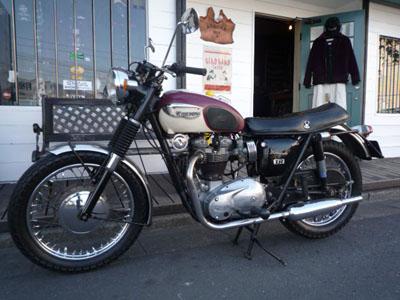 本日のバイク!!_f0194657_18122037.jpg