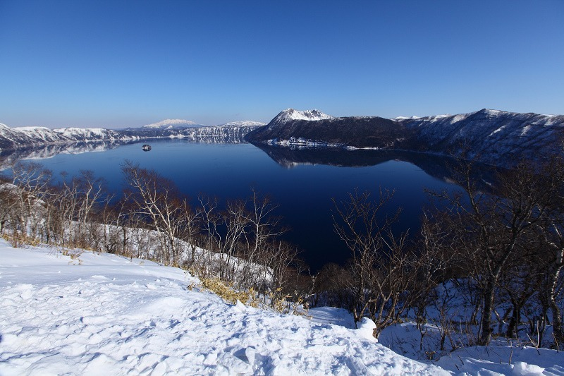 2/3 眼下の絶景 驚愕 真っ青の摩周湖_a0160581_9113032.jpg