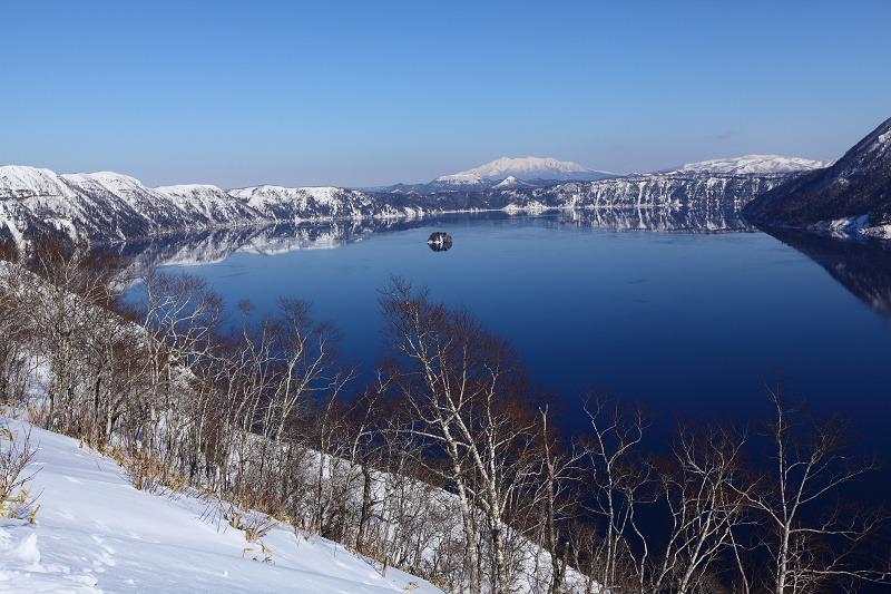 2/3 眼下の絶景 驚愕 真っ青の摩周湖_a0160581_9114580.jpg