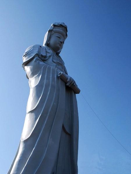 高崎白衣大観音「赤い糸祈願祭」30mの赤い糸_c0177814_16323860.jpg