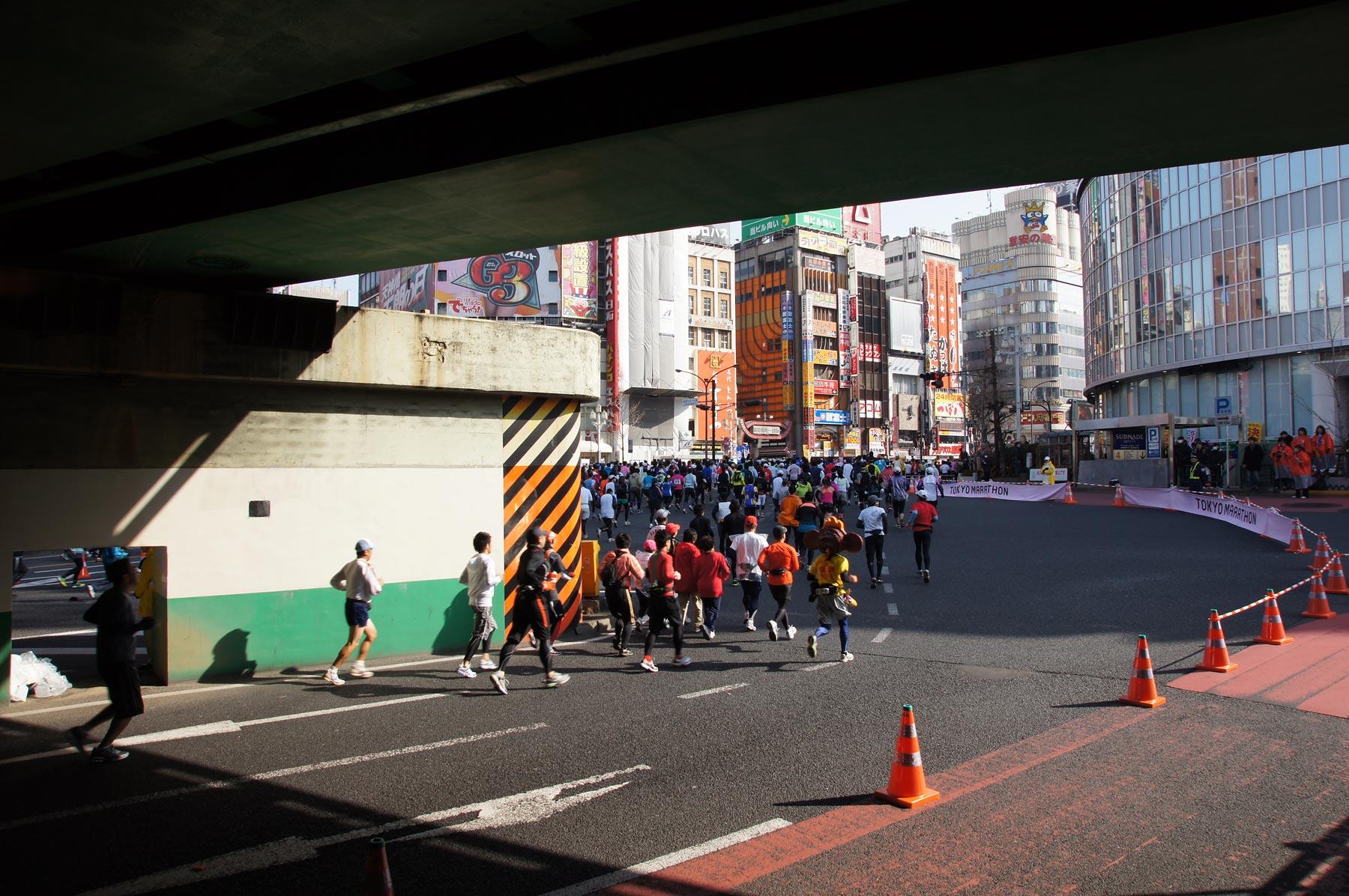 歌舞伎町 東京マラソン_e0216133_22534471.jpg