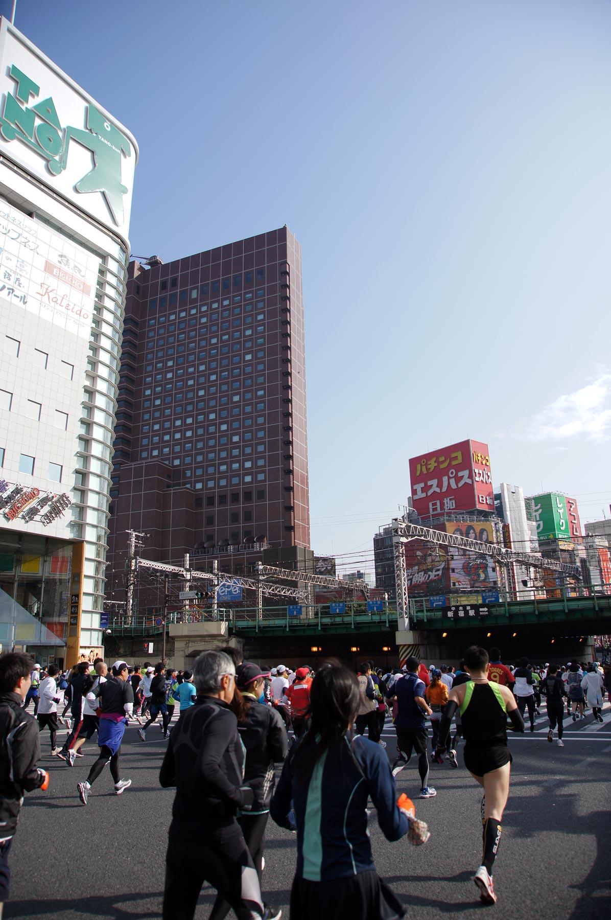 歌舞伎町 東京マラソン_e0216133_22542154.jpg