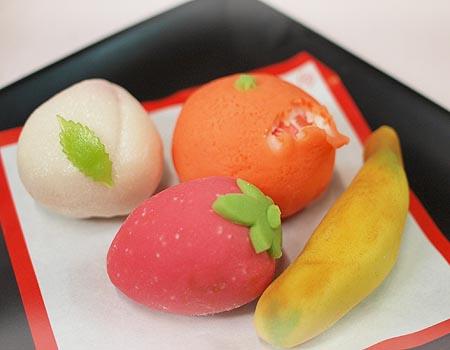 【旬のイチオシ!】 ひな祭りにお雛様の和菓子はいかが。_b0151490_16121772.jpg