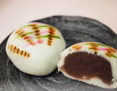 【旬のイチオシ!】 ひな祭りにお雛様の和菓子はいかが。_b0151490_16123896.jpg
