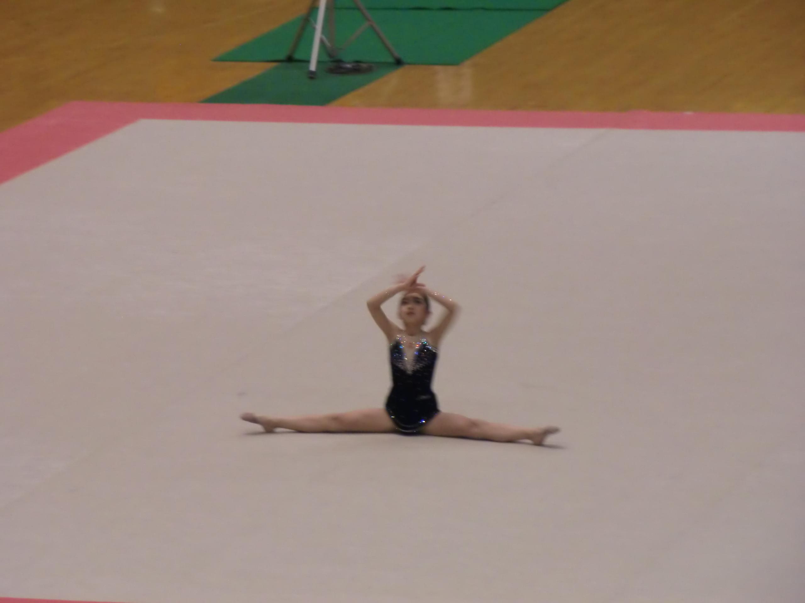 娘が新体操教室に_e0123104_7482157.jpg