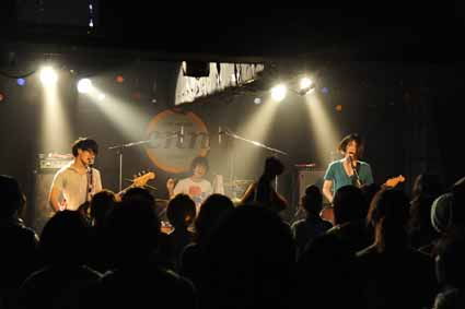 monokuro AND TOUR 2010-2011 @ 仙台LIVE HOUSE enn 1st 11.01.29_d0131511_4135153.jpg