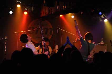 monokuro AND TOUR 2010-2011 @ 仙台LIVE HOUSE enn 1st 11.01.29_d0131511_414083.jpg