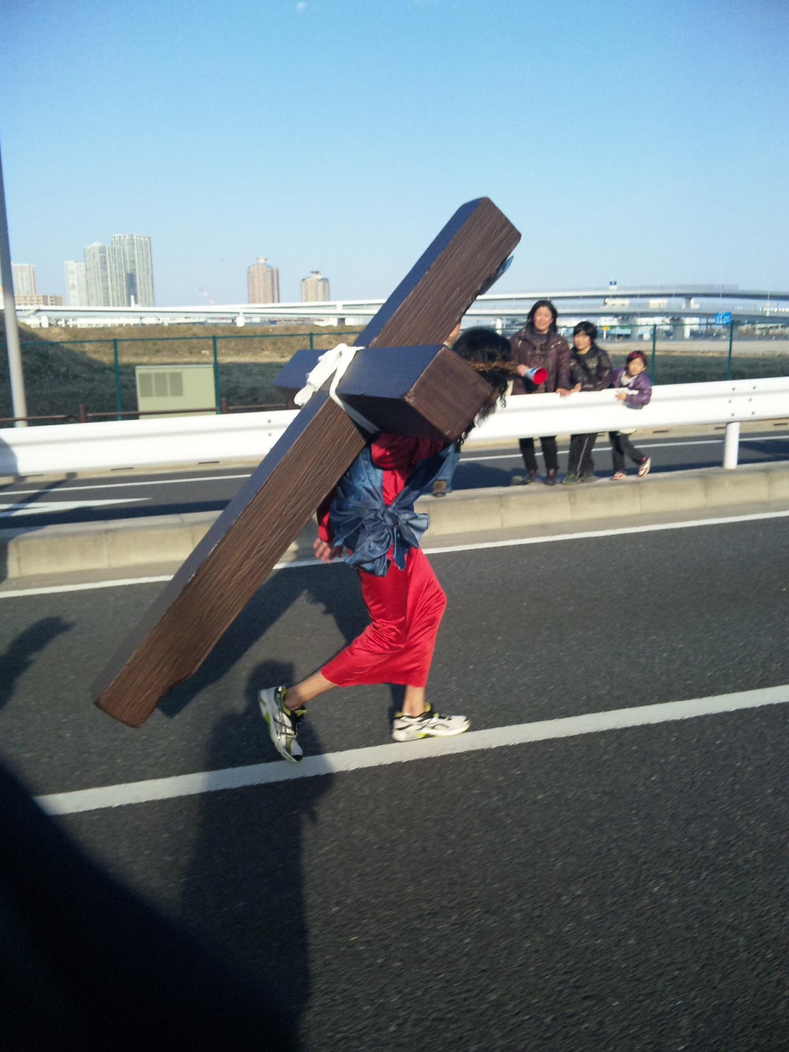 重い十字架_e0091322_20313995.jpg