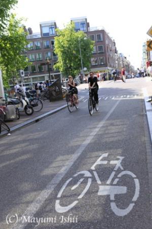 自転車レーンのある街、アムステルダム。_a0086851_23354474.jpg