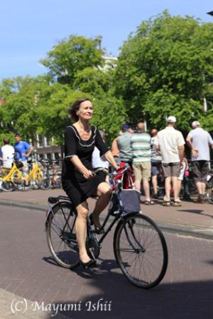 自転車レーンのある街、アムステルダム。_a0086851_23355989.jpg