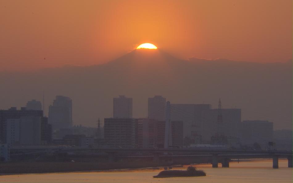 ダイヤモンド富士・羽田空港国際線_a0150260_0344243.jpg