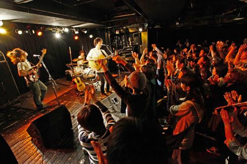 【ライヴレポート】Suzumoku初の全国ツアーがスタート。話題の「モダンタイムス」シングル化のニュースも!!_e0197970_20453027.jpg