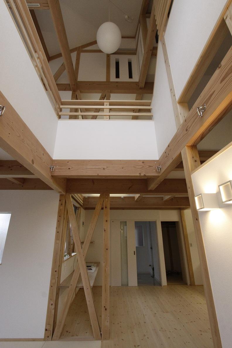 『組み上げる家』_a0107574_8552443.jpg