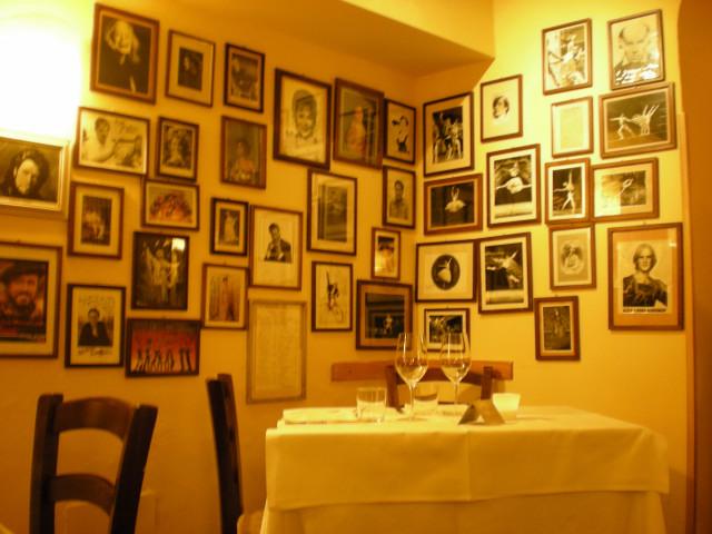 日本人の観光客が多いレストランでした。。。_c0179785_21205374.jpg
