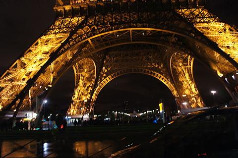 素晴しいパリの夜景_c0090198_5551172.jpg