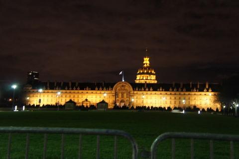 素晴しいパリの夜景_c0090198_5575533.jpg