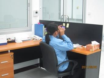 新入社員の研修(プラスチック成形品の検査)_b0100062_1546625.jpg