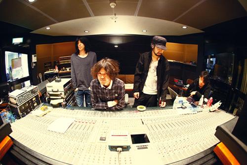 9mm、6月に4thアルバムを発表!横浜アリーナで発売記念ライヴも!!_e0197970_1516094.jpg
