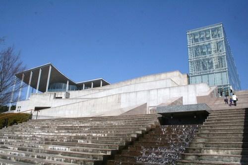 岡崎市美術博物館_c0100195_2121113.jpg