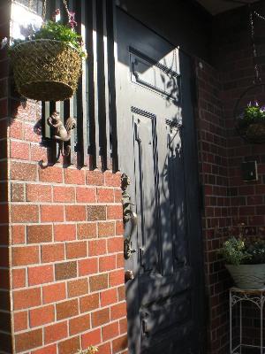 玄関ドアのリフォーム_c0146040_2038422.jpg