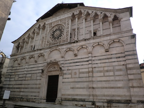ミケランジェロの見た物〜Duomo di Carrara_d0136540_61131.jpg