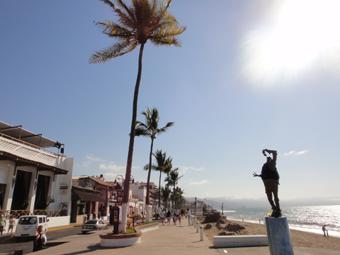海岸の彫刻_e0109554_1917553.jpg
