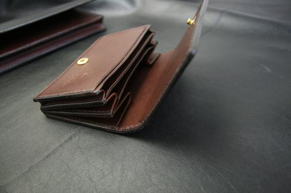 現金150万が入る長財布とミニマムウォレット_a0145469_2241429.jpg