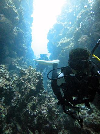 沖縄でボートダイビング!!地形と砂地☆_a0156273_1642928.jpg