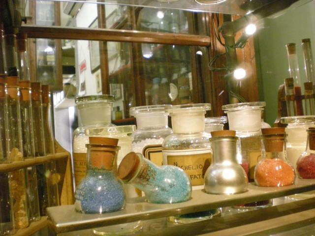 フィレンツェで見つけた怪しい魔法のお店!??_c0179785_6463027.jpg