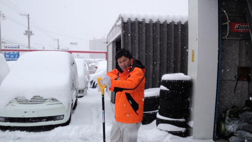 久しぶりの大雪。。。_b0127002_2116360.jpg