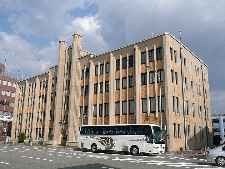 旧神戸市立生糸検査所クリエイティブスペース_c0112559_134368.jpg
