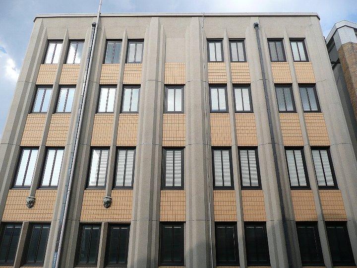 旧神戸市立生糸検査所クリエイティブスペース_c0112559_1355923.jpg