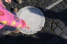サンピエトロ広場でユキちゃんが見つけたものは?_f0106597_3543823.jpg