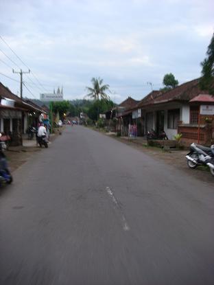 シドゥメン村までの道のり サトリア~シドゥメン村市場 Satria - Pasar Sidemen_a0120328_1124415.jpg
