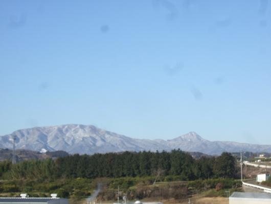雪ですか?.....寒いはず。_b0137932_1546150.jpg
