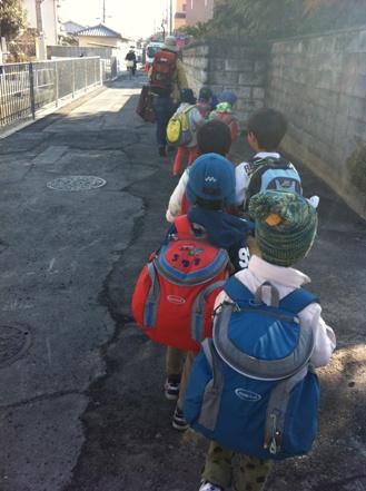 大阪の森の幼稚園「森のようちえん どんぐり」を訪れて_f0037258_14223849.jpg