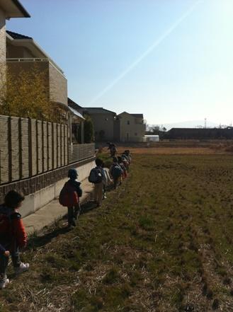 大阪の森の幼稚園「森のようちえん どんぐり」を訪れて_f0037258_14443787.jpg