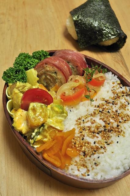 豚肉ロールのお弁当_b0171098_8302186.jpg