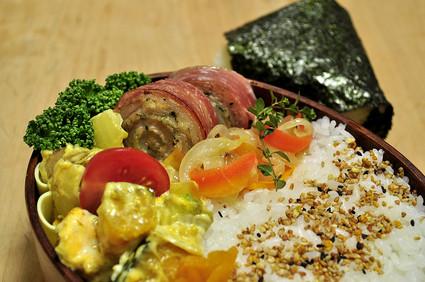 豚肉ロールのお弁当_b0171098_8405686.jpg