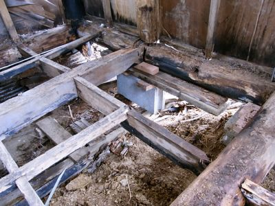 掘っ立て小屋 ビフォー_c0063348_21251771.jpg