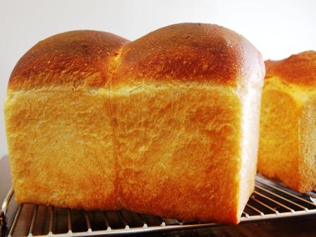 酒種食パンと抹茶ダイナーゴン_e0167593_181661.jpg